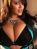 voluptuous sweet Leanne flaunting her huge titties