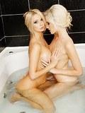 Two wet lesbians