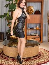 Hot mature latina babe in vintage stockings