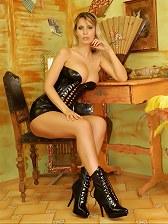 Glamour Babe Monika