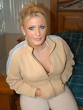 Blonde blue eyed marlyn monroe type fucking hardcore