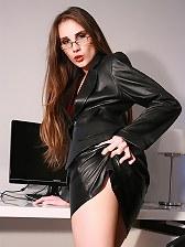 Tina Blade loves kinky leather sex