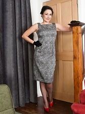 Brunette Sophia in ff nylons and sheer panties!